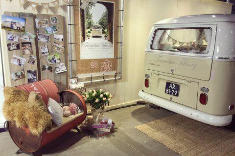 Trouwbus Tilburg bij Love & Marriage beurs