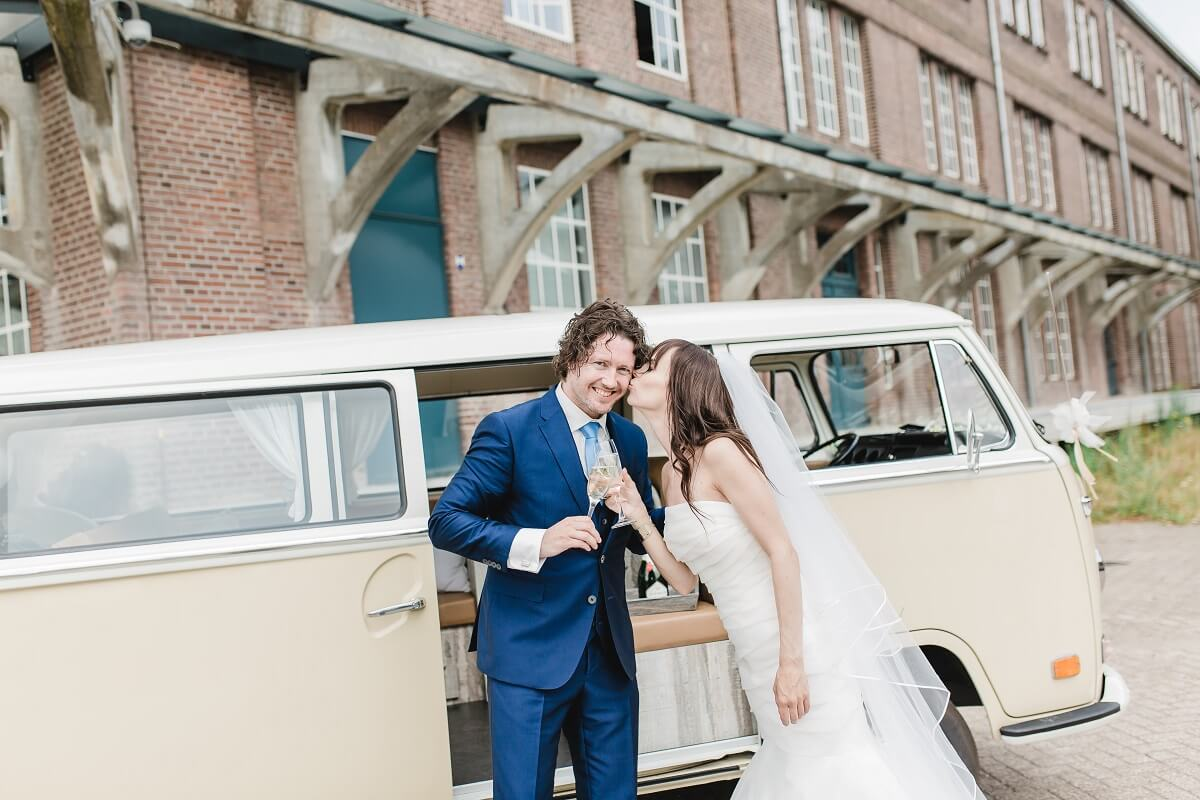 Bruid kust bruidegom - Jessica fotografie