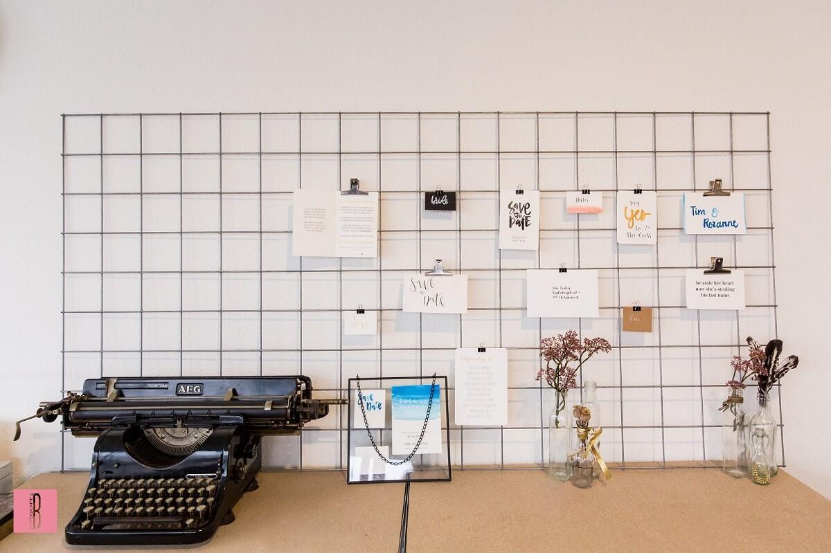 Kalligrafie en typmachine van Jen