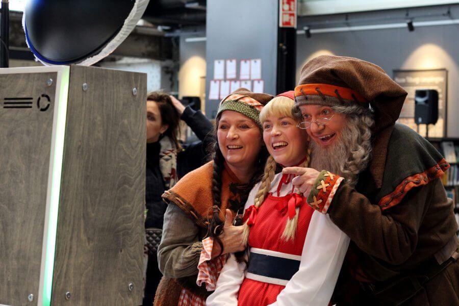 Efteling Roodkapje met kabouters bij de photobooth